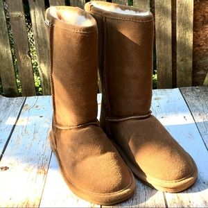 NWOT BearPaw Boots Size 8 brown suede Winter